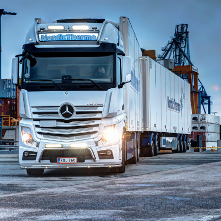 Mercedes Actros with Triple-R 1000 LED Spotlights